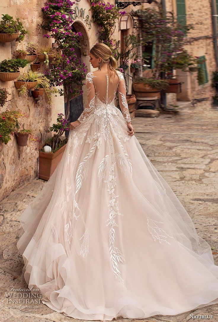 naviblue 2019 Braut lange Ärmel tief Schatz Ausschnitt stark verziert Mieder ro…