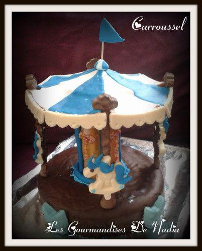 """Voici mon gâteau """" Carrousel """" réalisé avec le """" kit Carousel """" de mon partenaire Silikomart . Je me suis bien amusé à le faire et les enfants étaient tout fier d'inviter leurs copains pour le goûter !!! INGREDIENTS : Pour la base (genoise): * 125 gr..."""