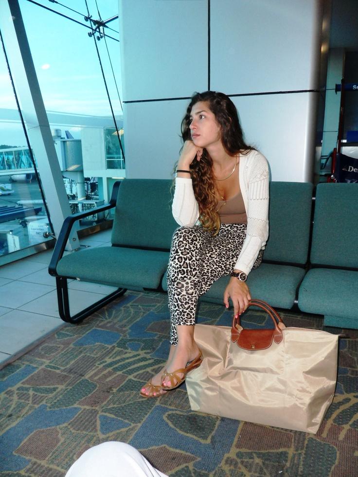 airport style-longchamp le pliage travel bag | Accessorize ...