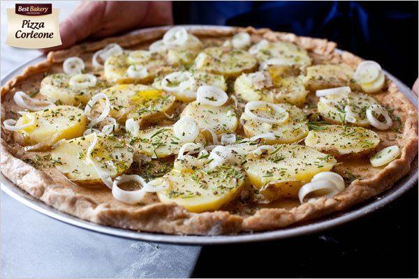 Pizza zawsze kojarzy się wszystkim ze standardowymi dodatkami, pieczarki, szynka, salami, ser itd - a czy próbowaliście kiedykolwiek pizzy z frytkami albo z talarkami ziemniaczanymi ? jeśli nie to koniecznie musicie spróbować przygotowując najlepiej samemu z naszego wysmienitego Ciasta do Pizzy Best Bakery 💚💚💚 z przyjemnością również podzielimy się przepisem na pizzę z talarkami ziemniaczanymi i cebulką  😄   Stefan 😄 #pizza #asunto #bestbakery #myfood #ciastodopizzy #ciastodopizzywkulce