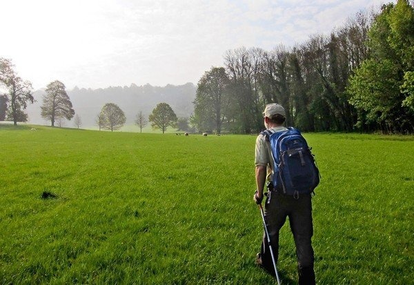 I want to do this: walking 100 miles from Chipping Campden to Bath along Cotswold Way, one of Britain's National Trails.