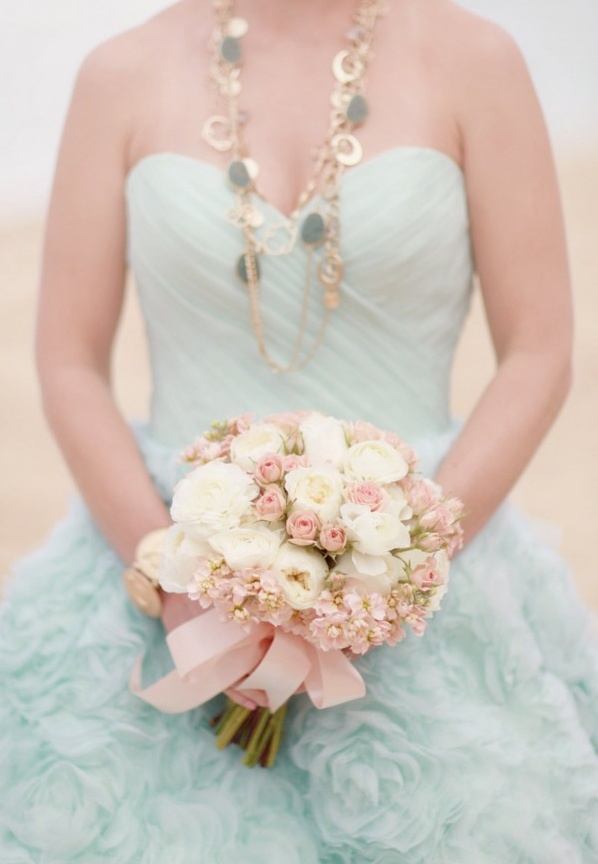 pale pink wedding flower bouquet, bridal bouquet, wedding flowers, add pic source on comment and we will update it. www.myfloweraffair.com can create this beautiful wedding flower look.
