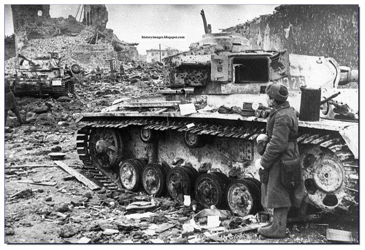 Abandoned German tanks in Stalingrad, Feb 1943. Paulus still had over 200 tanks when encircled.