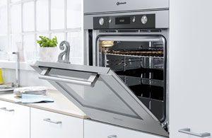 De nieuwe PureClean™ oven. - Bauknecht Nederland  Extreem nauwkeurig koken met de kerntemperatuurmeter.  U kunt nu als een professional braadgerechten op tafel toveren. Met de kerntemperatuurmeter* kunt u de gewenste temperatuur van uw gerecht instellen - de oven geeft dan een signaal en schakelt zichzelf uit zodra deze temperatuur is bereikt. En u hebt de volledige controle, want de temperatuur wordt steeds op de display weergegeven. #DanKuchen #Bauknecht #Pureclean