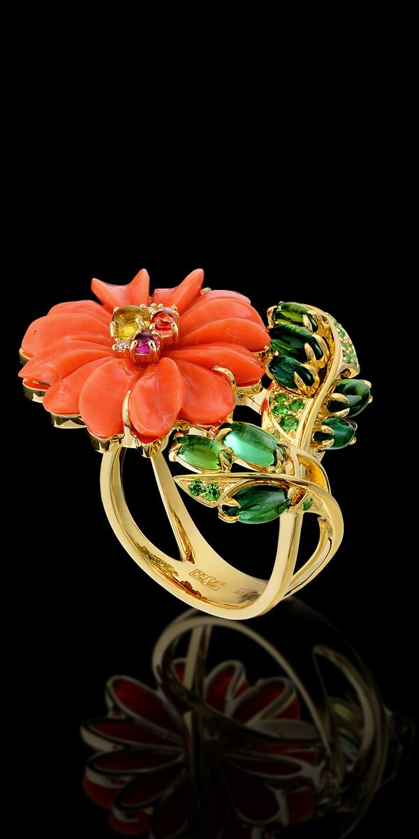 Ring:  18K yellow gold, coral 9,6 ct, diamonds, rubies, sapphires, color, tourmalines, tsavority, demantoids.