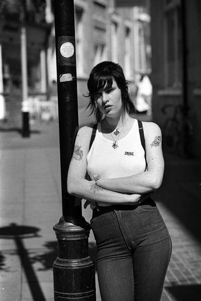 skinbyrd+skinhead girl+ lonsdale+ jeans+ punk