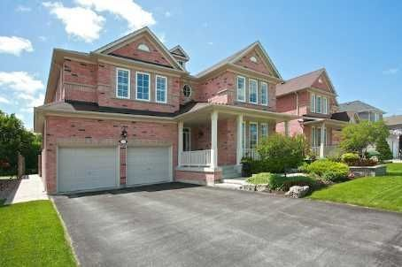 MARKHAM (ON) Fabulous Monarch House located minutes away from the Historic Unionville Main Street. Backs onto Ravine with Park and Pond. Complete with Wine Cooler and Huge Patio. Going for $1,038,000 http://www.century21.ca/Property/100879331