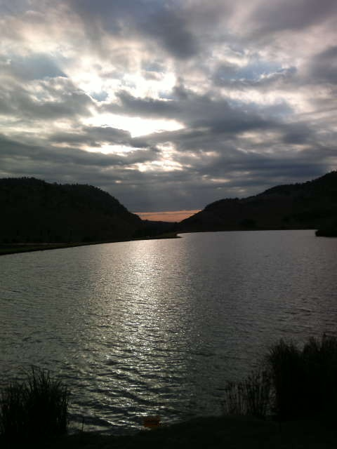 Early morning view of Kloofzicht Lake