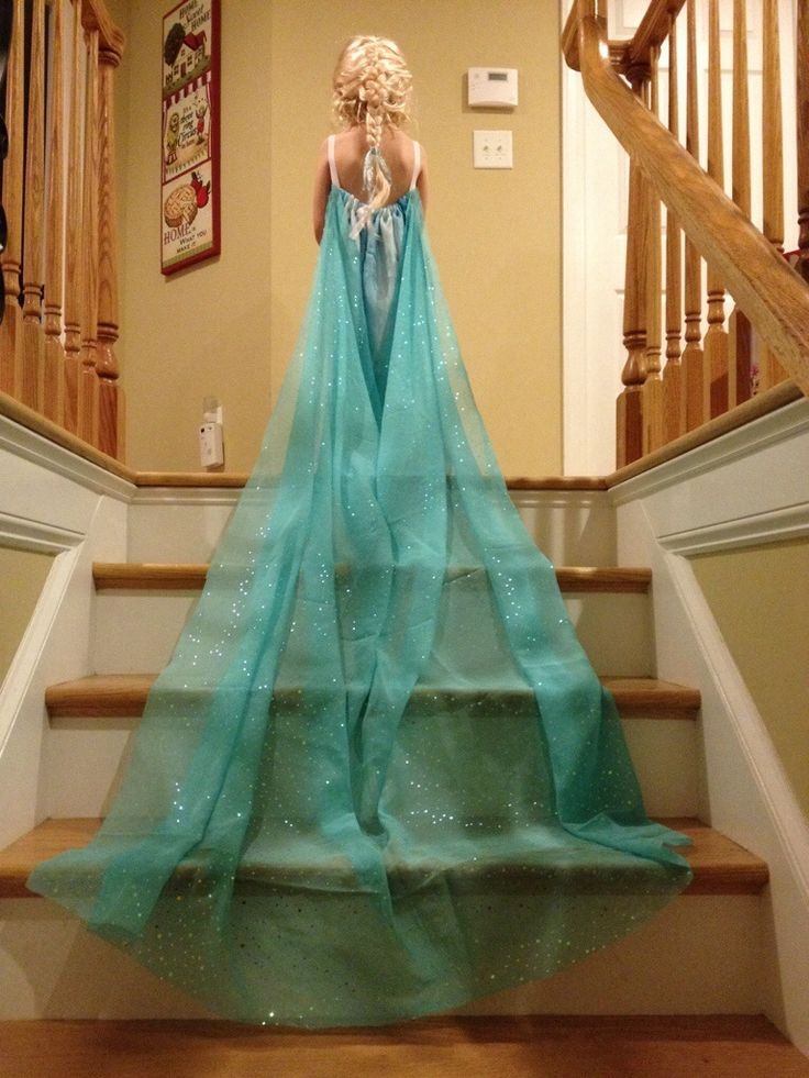 DIY Elsa Dress from Curtain sheer!!!