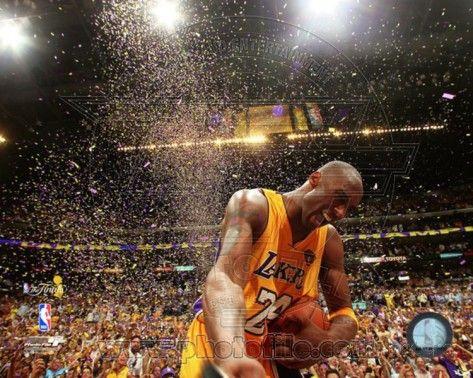 Kobe Bryant Celebrates 2010 NBA Finals Championship (#21) Photo
