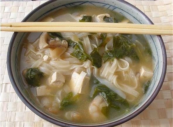 Sopa de fideos japonesa hecha en thermomix #recetas #thermomix #sopas