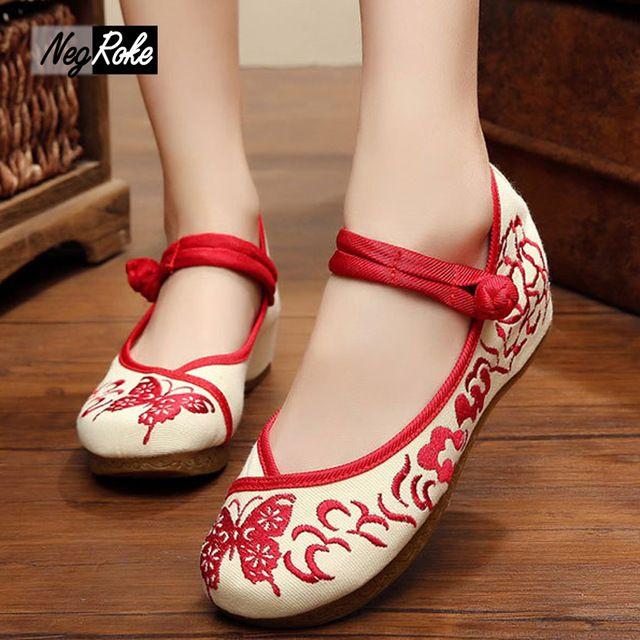 Nueva exquisito simple mariposa roja bordado zapatos de mujer caminando retro tacones de cuña para mujer bombas zapatos mujer plataforma
