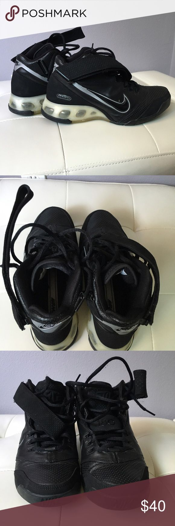 Nike Black Air Max 180 Basketball Gently worn still in great condition men's Nike Air Max basketball hi tops. Will come with box. Nike Shoes