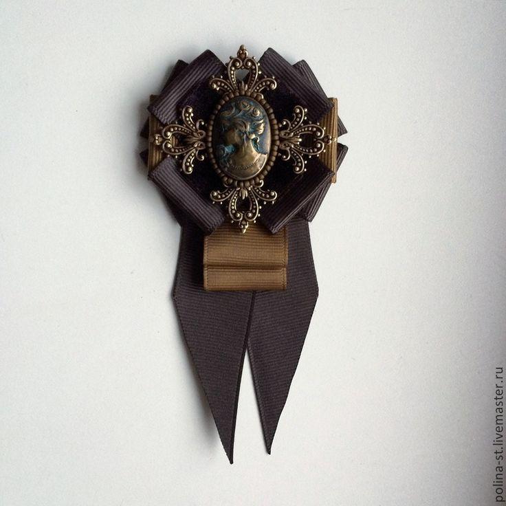 "Брошь-орден с галстучком ""Француженка"" - коричневый,камея,брошь-орден"