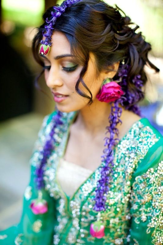 Fresh Floral Jewelry - Sarah Khan Event Styling, matha patti, indian jewelry, Indian wedding, indian, Mehndi, Sangeet, Ladies Sangeet, tikka, kashmiri jhumka, purple, pink, roses, hyacinth