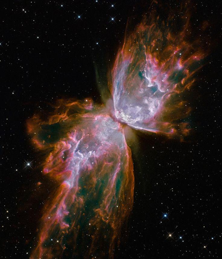 Nebulosa da Borboleta  Formações de gás a mais de 20 mil graus Celsius formam nuvens que se parecem com asas de borboleta, deixando o núcleo da galáxia a mais de 1 milhão de km por hora - o suficiente para viajar da Terra à Lua em menos de 24 minutos.