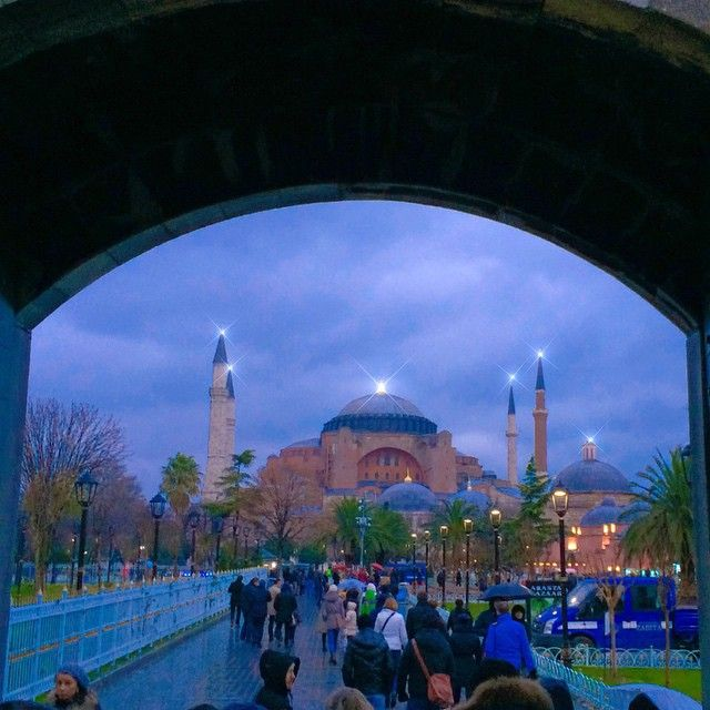 Sultanahmet Mosque aka The Blue Mosque -Istanbul,Turkey   // by doounias