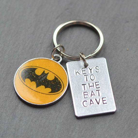 batman-keychain-bat-cave-keyring-gifts