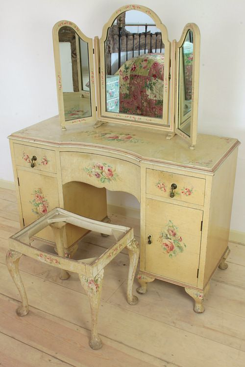 Vintage Home   Stunning 1920s Dressing Table.