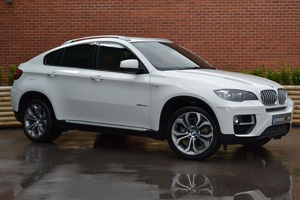 BMW X6 -Alpine White my next car/ truck I love this truck hey boyfriend / fiancé somebody I need this STAT!! Lol : )