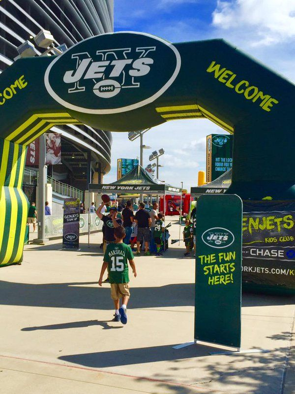 """MetLife Stadium on Twitter: """"Gen #Jets kids zone, family fun on the turf at @MetLifeCentral & all new @MetLife Virtual Reality! #CLEvsNYJ http://t.co/UckKTmEnfx"""""""