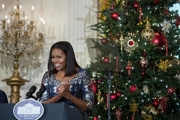 Мишель Обама в последний раз украшает к Рождеству Белый дом http://joinfo.ua/inworld/1189856_Mishel-Obama-posledniy-ukrashaet-Rozhdestvu-Beliy.html