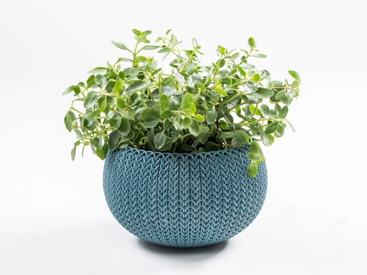 Empresa cria coleção de pequenos vasos plásticos com a aparência de um lindo tecido entrelaçado