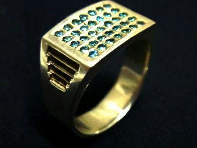 Blue diamond paladium ring