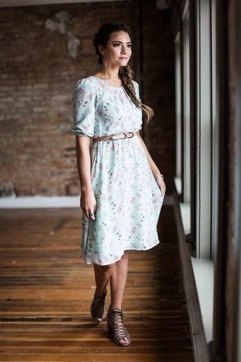 The much loved Kaylee dress in mint floral.