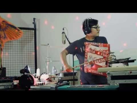 Main Perkusi (live-looping daily objects) - YouTube