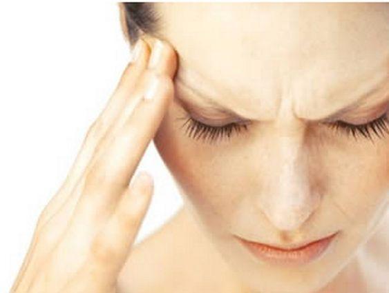 Mal di testa: rimedi naturali, come ridurre gli attacchi (nel sito c'è anche un video esplicativo)