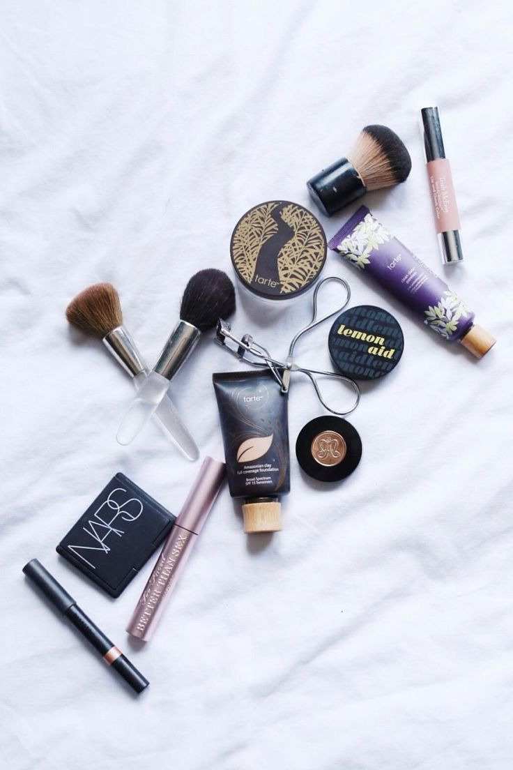 Yes, we all did our own makeup while on The Bachelor and I get quite a few questions about my everyday makeup routine on social media, so I thought I'd start with listing the products I use daily. Thi