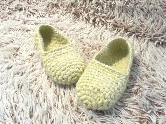 Yellow slippers Women's Slippers Thick crochet by EllenaKnits