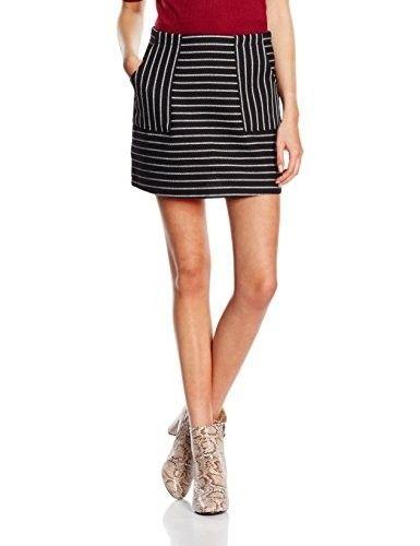 Minifalda estampada #faldas #moda #mujer #outfits  #minifaldas #faldasinvierno #style #shopping #fashion #modafemenina #cuero #leather #minifaldaestampada #print