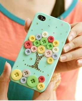 "Hey! Button Lovers!!  Button Tree diy iphone 4 case iphone case ~ This is ""stinkin' cute""!!"