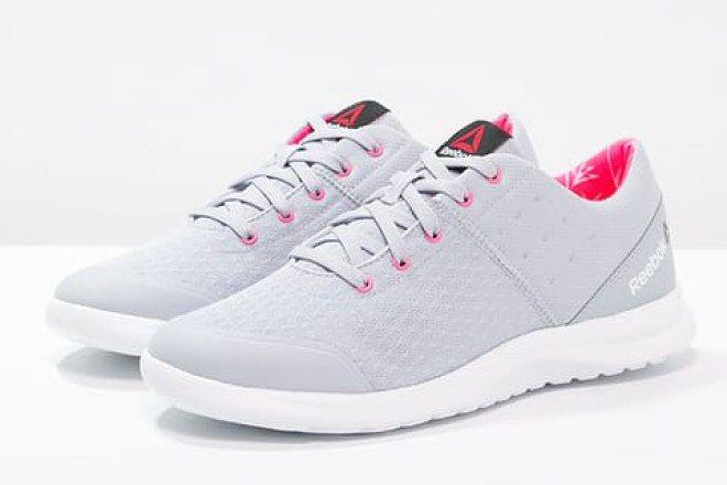 C'est important d'avoir des chaussures adaptées quand on se met à la marche athéltique.  Les baskets femme Reebok