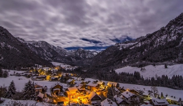 Amazing Mountains is a video made by the technique of time-lapse and surprise mountainous Allgu region of southern Germany.