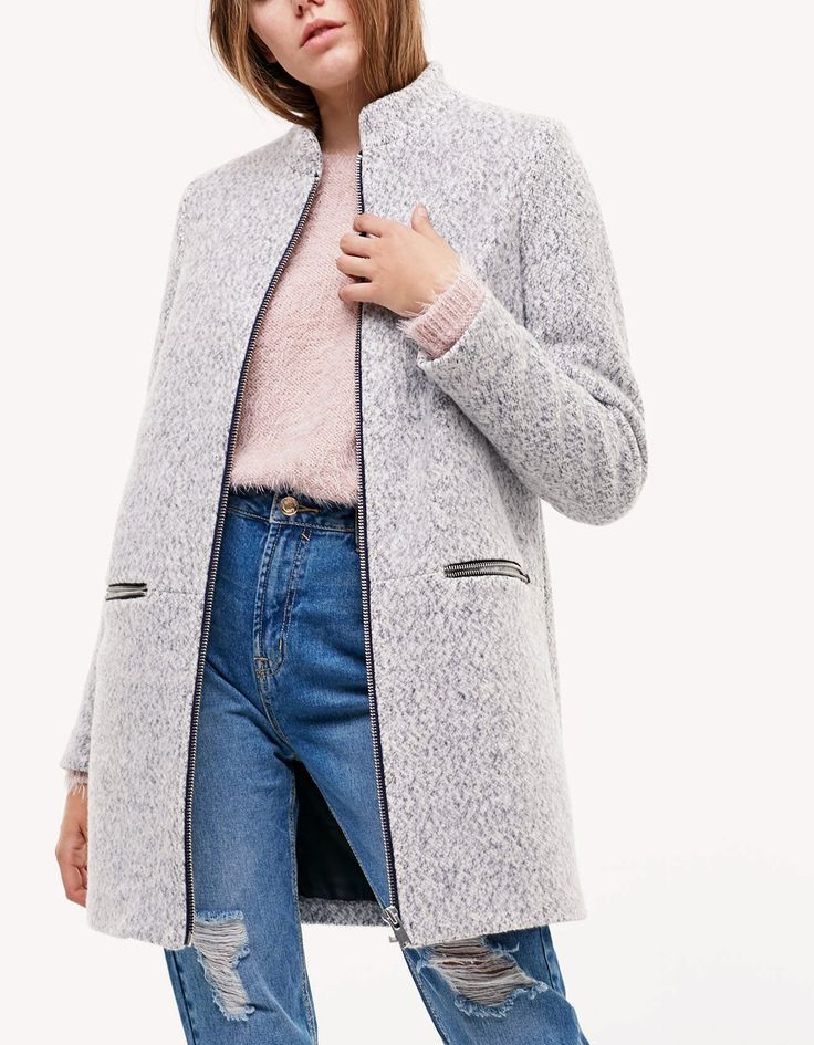 Knitted coat with zip detail - Kabáty | Stradivarius Česká republika