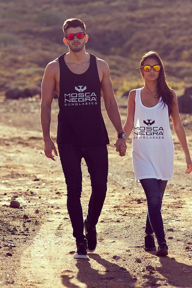 Que nadie ni nada te robe tus momentos. Gafas de sol de madera y de bambú Mosca Negra www.moscanegrasunglasses.com #moscanegra #gafasdemadera