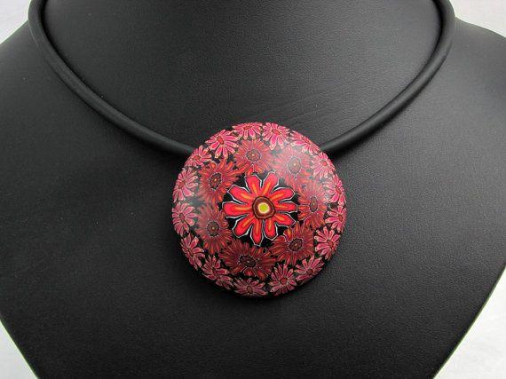 Blüte schwarz rot Halskette  aus handgefertigten von polymerdesign