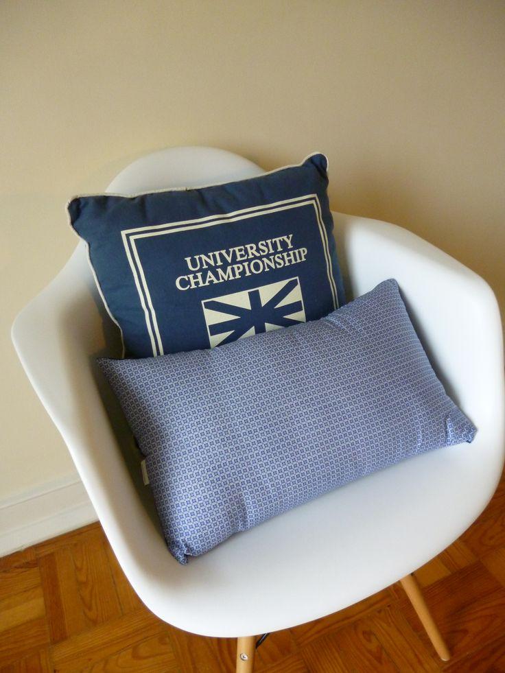 Há almofadas de tamanhos e padrões muito variados. Pode até trazer o seu tecido que nós confecionamos a sua almofada.