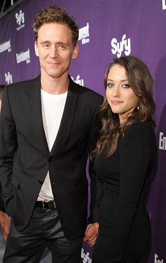 Kat Dennings dated Tom Hiddleston in 2010, when the two co-starred in Thor. Though they were spotted looking cozy at Comic-Con that year, the relationship eventually fizzled out. These days, Dennings is reportedly dating her 2 Broke Girls co-star Nick Zano, while Hiddleston remains single.