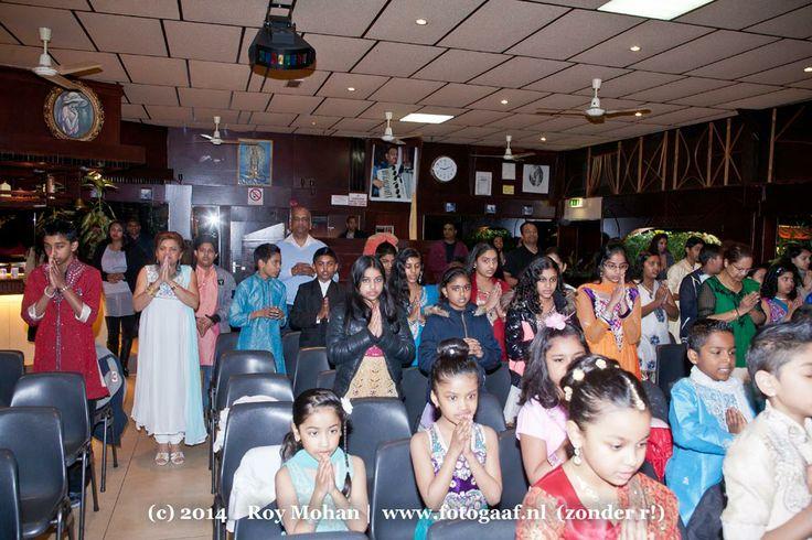 fotogaaf-shri-saraswatie-school-holi-viering-doelari-2014-rotterdam-fotograaf