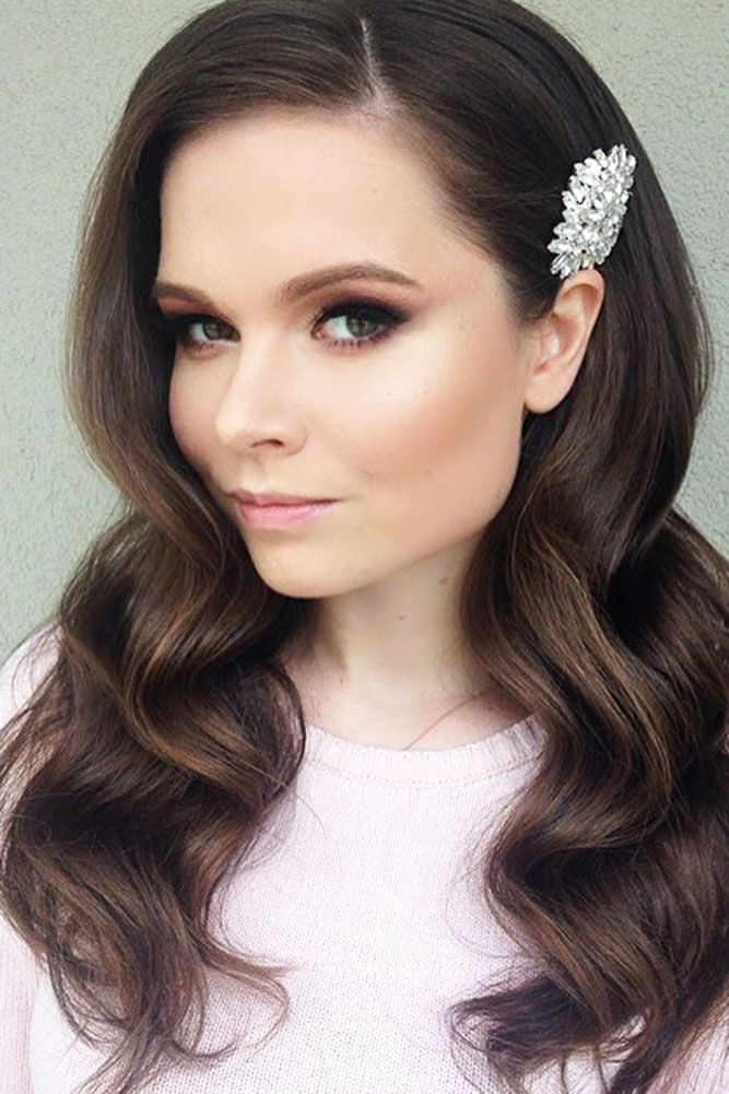 36 Bright Wedding Makeup Ideas For Brunettes Wedding Makeup For Brunettes Smokey Eyes Wedding Makeup For Brunettes Wedding Hair And Makeup Bridal Makeup Tips