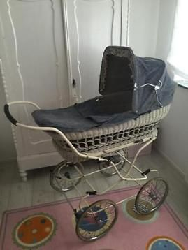 Ouderwetse Knorr kinderwagen