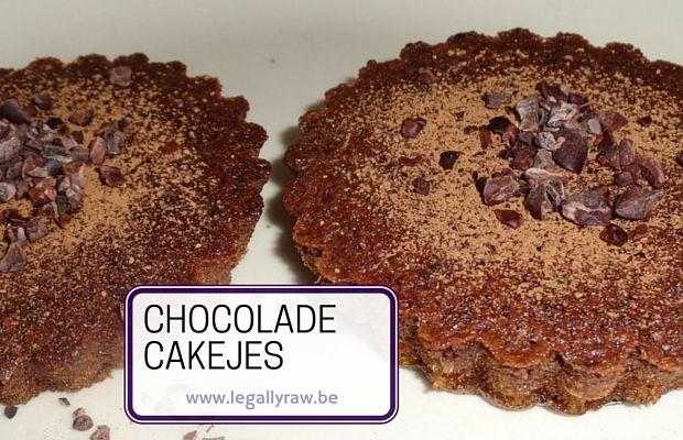 chocolade cakejes http://legallyraw.be/chocolade-cakejes/