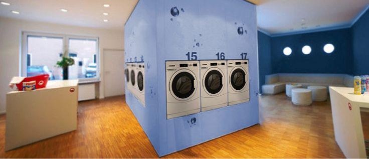 Lavandería autoservicio con equipos de 10 kilos capacidad. Empotradas en pared con sistema de monedas o tarjetas de pago.  Desde Ino-Lav le podemos ofertar y diseñar diferentes tipos de lavanderías.