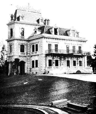 1906 São Paulo  - CHÁCARA DA DONA VERIDIANA - Higienópolis - SP Localizada na Av. Higienópolis, n.º 18. Foi construída em 1894, segundo projeto realizado na França. A execução coube ao engenheiro Luiz Liberal Pinto. Atualmente é sede do Clube São Paulo