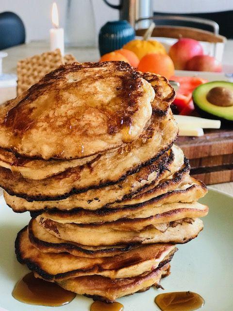 Saftige Amerikanske Pandekager Med Revet æbler Som Smager Vildt