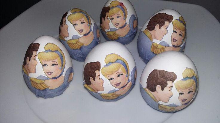 Huevos de pascua Cenicienta. Decoupage. Easter eggs. Disney